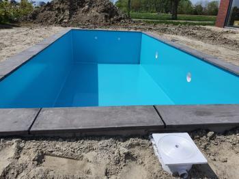 Aanleg van een nieuw zwembad in Bedum